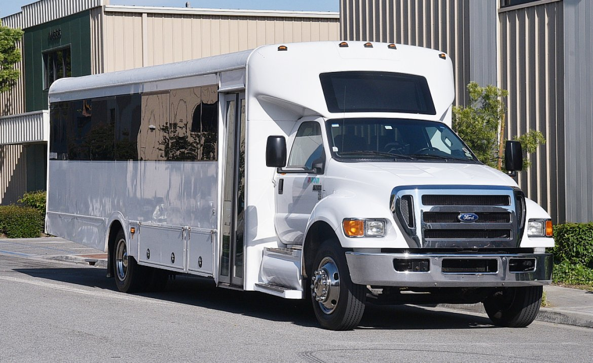 Shuttle Bus for sale: 2013 Ford F-650 by Glaval