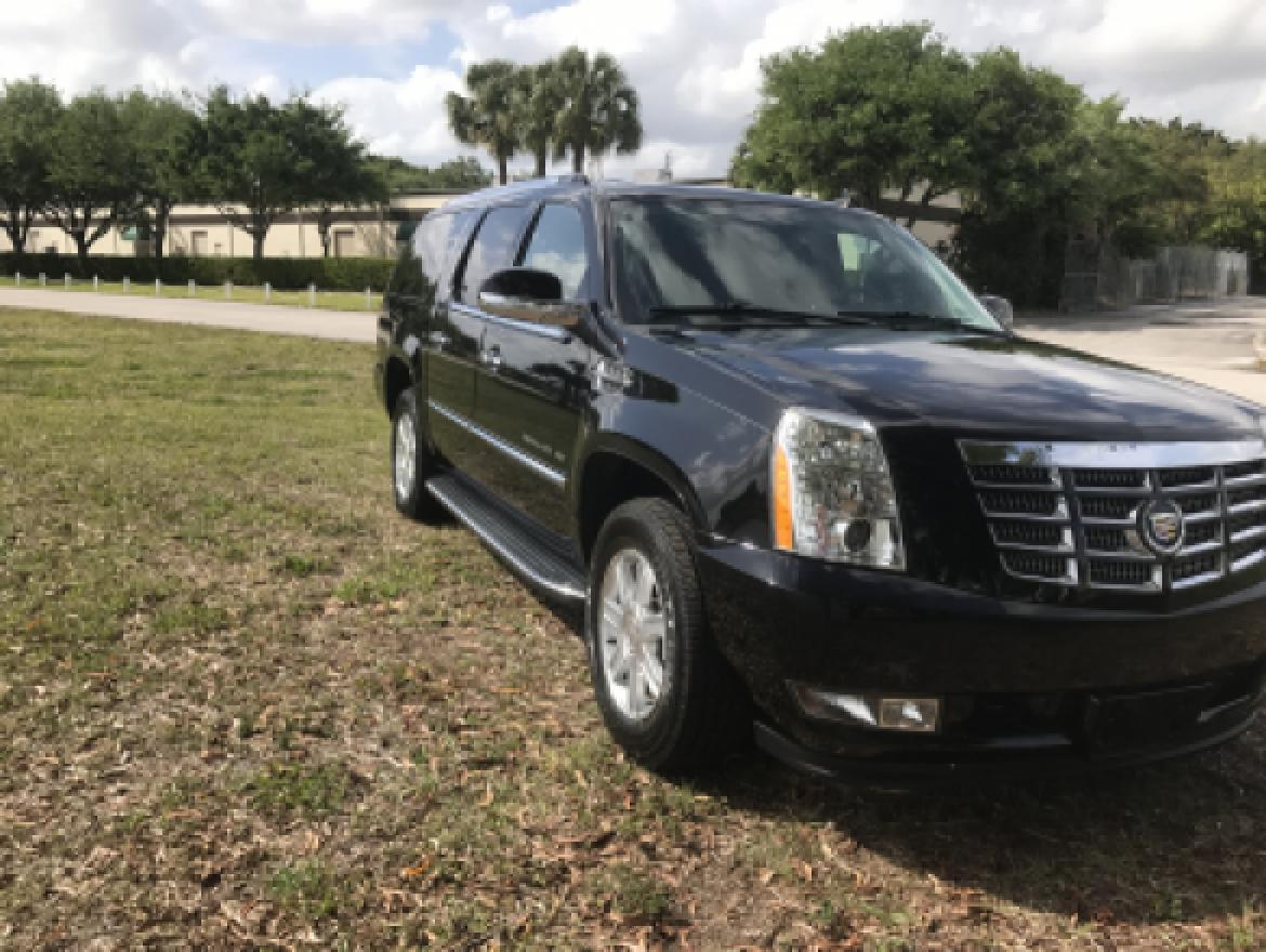 new ceo suv mobile office for sale 2013 cadillac escalade esv in wellington fl we sell limos. Black Bedroom Furniture Sets. Home Design Ideas