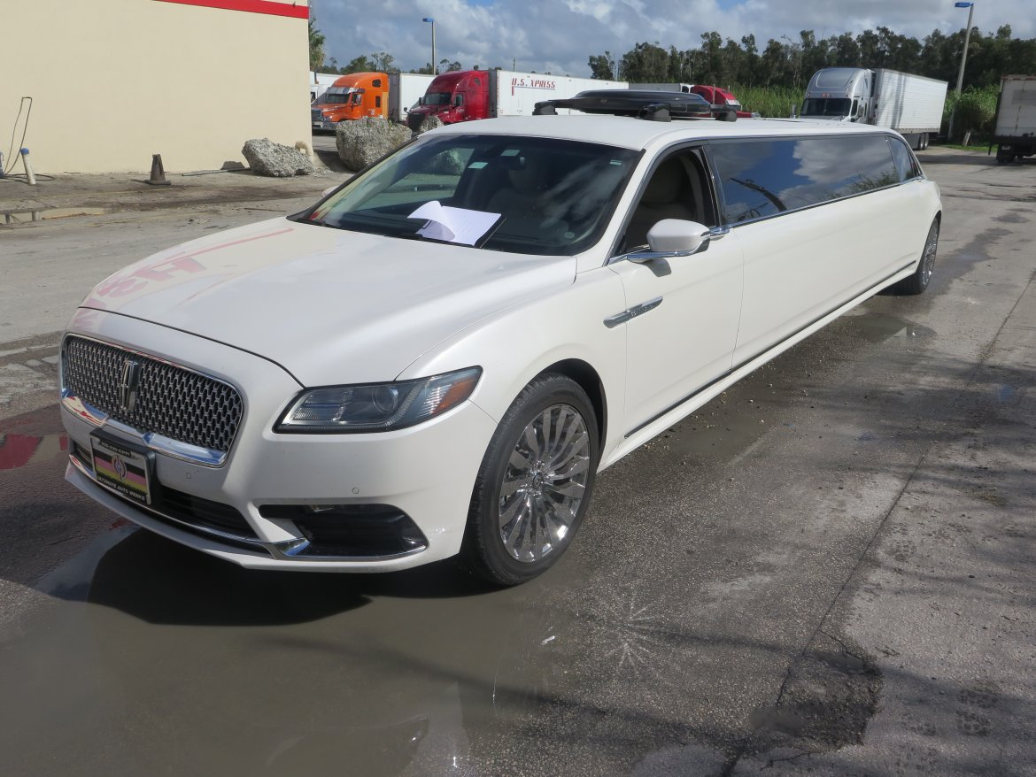 Limousine for sale: 2017 Lincoln Continental by Secialty Passenger Vehicles