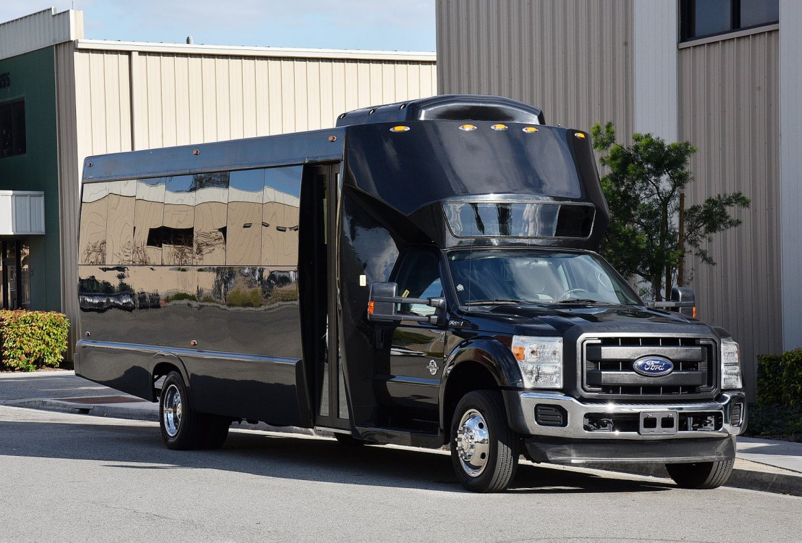 Shuttle Bus for sale: 2013 Ford F-550 by Tiffany