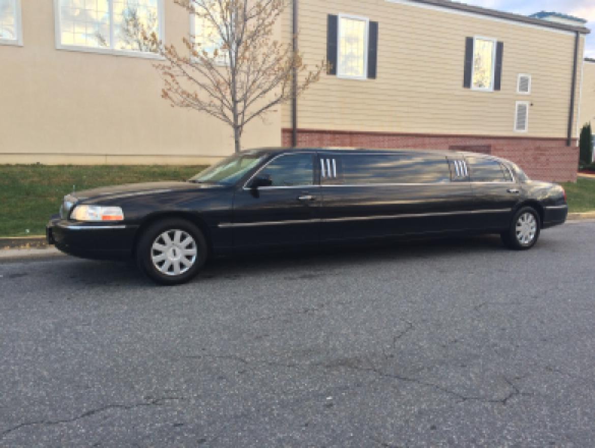 used 2005 lincoln town car for sale ws 10341 we sell limos. Black Bedroom Furniture Sets. Home Design Ideas