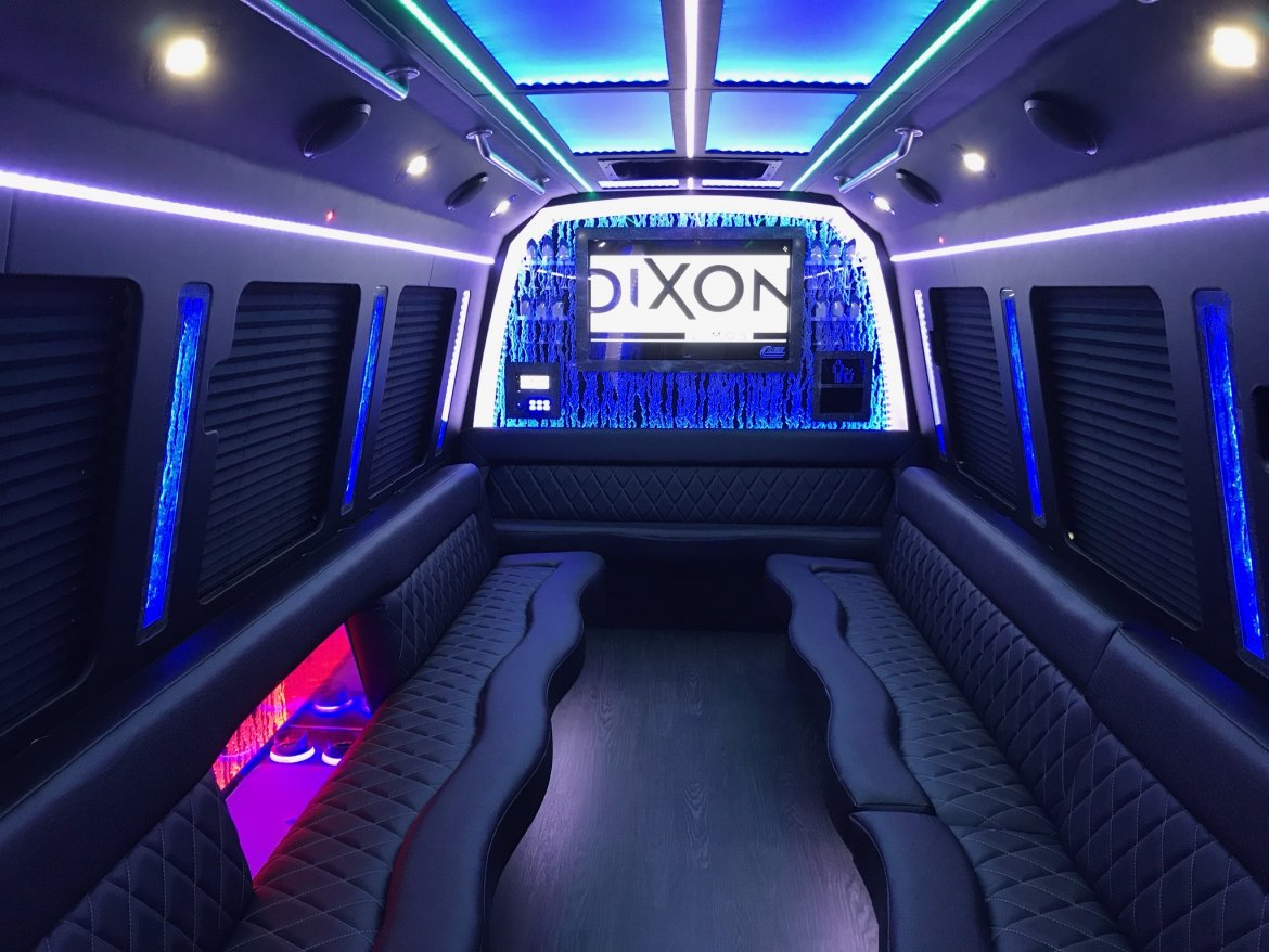 "Limo Bus for sale: 2018 Ford E 450 29"" by LGE COACHWORKS INC"
