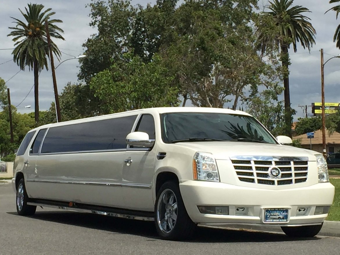 Limousine for sale: 2007 Cadillac Escalade by Royal Coach by Victor