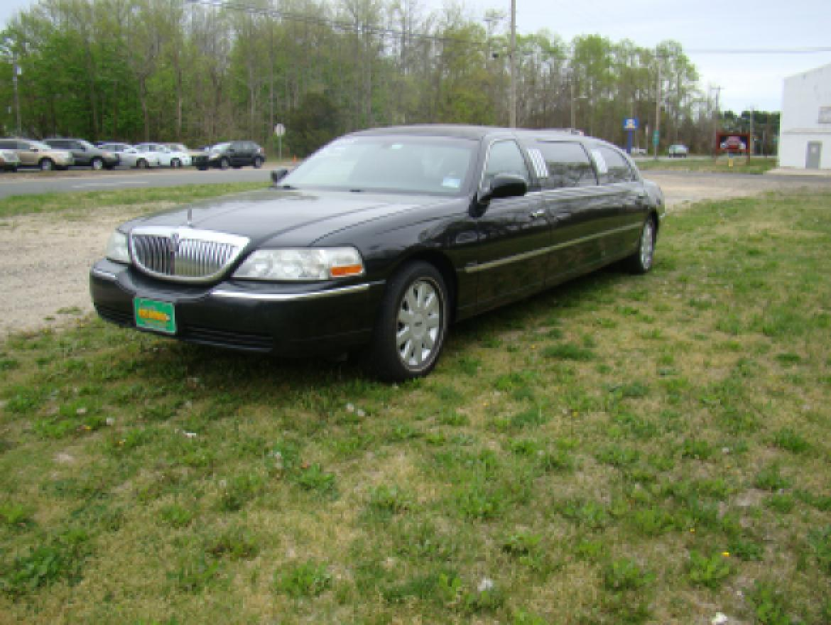 Limousine For 2005 Lincoln Town Car Royale