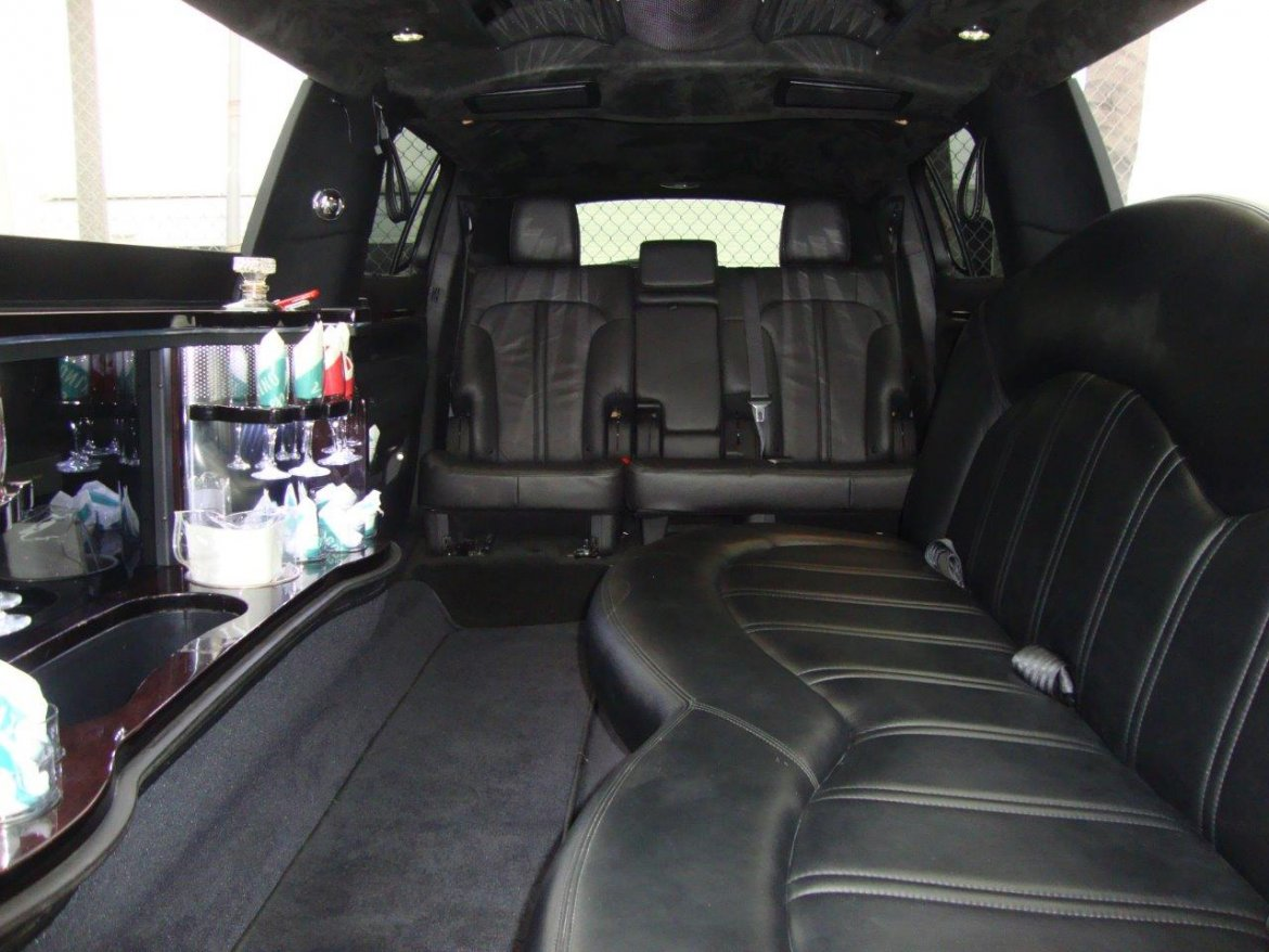"Limousine for sale: 2015 Lincoln MKT 120"" CL 5-Door Limousine 120"" by Executive Coach Builders"