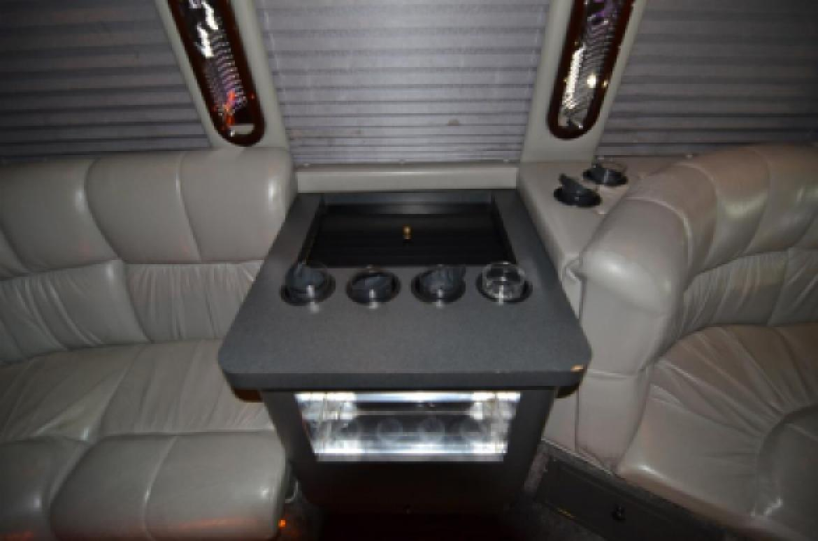 Photo of Limo Bus for sale: 2007 Chevrolet 5500 by Turtle Top