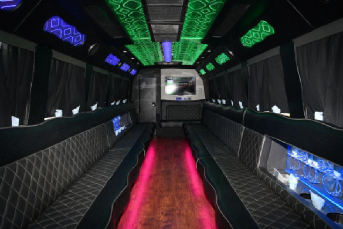 Photo of Limo Bus for sale: 2008 International 3200 by Krystal