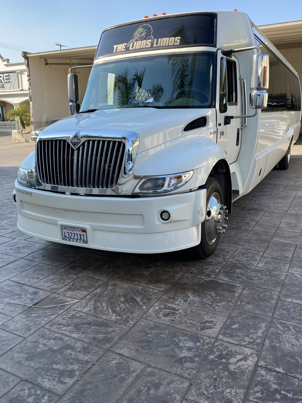 Limo Bus for sale: 2009 International 3200 by LIMOS BY MOONLIGHT