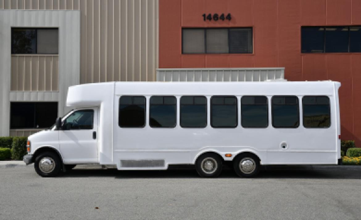 Photo of Limo Bus for sale: 2001 Chevrolet 3500 by Turtle Top
