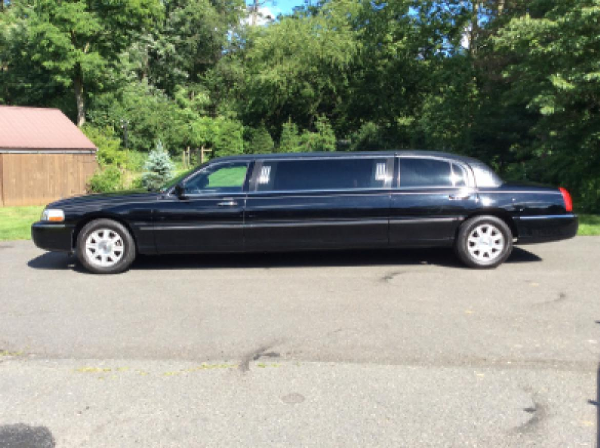 used 2008 lincoln town car for sale ws 10419 we sell limos. Black Bedroom Furniture Sets. Home Design Ideas