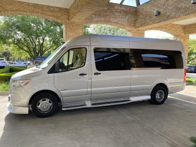 2019 Mercedes-Benz Sprinter CEO Executive Limo .  Low Miles, Like New.