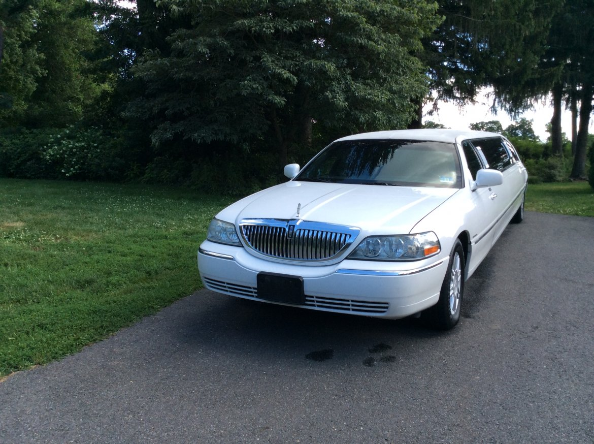 Used 2008 Lincoln Town Car For Sale  Ws