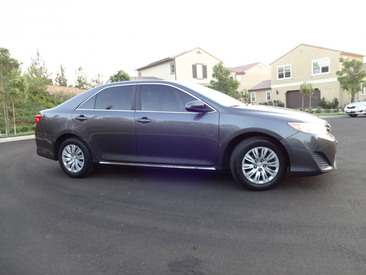 used sedan for sale 2013 toyota camry le in irvine ca 10484 we sell limos. Black Bedroom Furniture Sets. Home Design Ideas