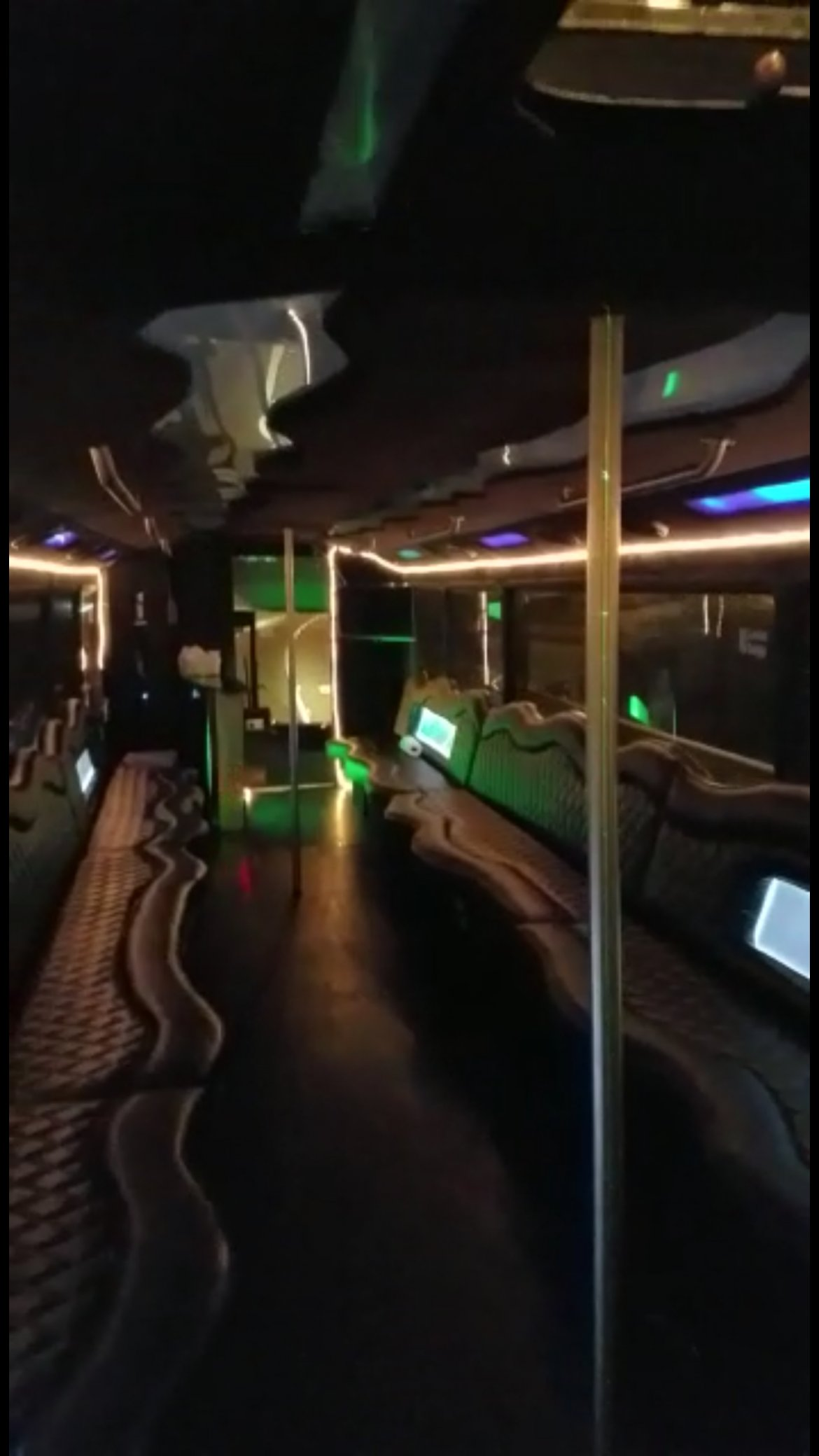 Photo of Limo Bus for sale: 1992 MCI 102C3 40""