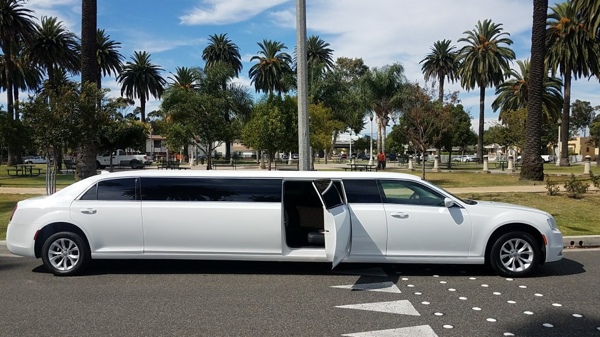 used limousine for sale 2016 chrysler 300 in los angeles ca 10525 we sell limos. Black Bedroom Furniture Sets. Home Design Ideas