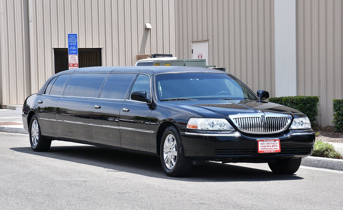 used 2011 lincoln town car for sale ws 10531 we sell limos. Black Bedroom Furniture Sets. Home Design Ideas