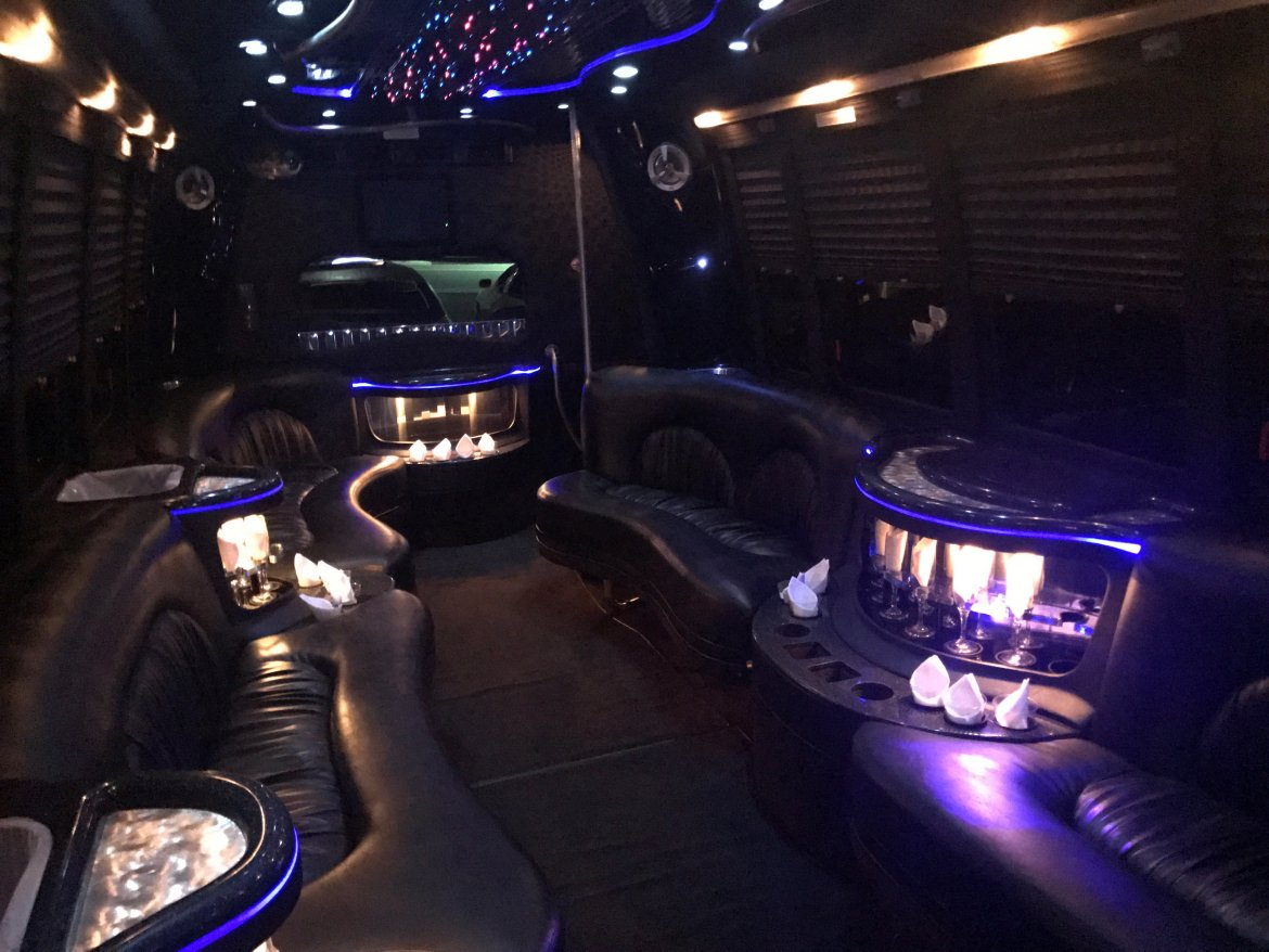 Photo of Limo Bus for sale: 2007 Ford E-450 by Krystal