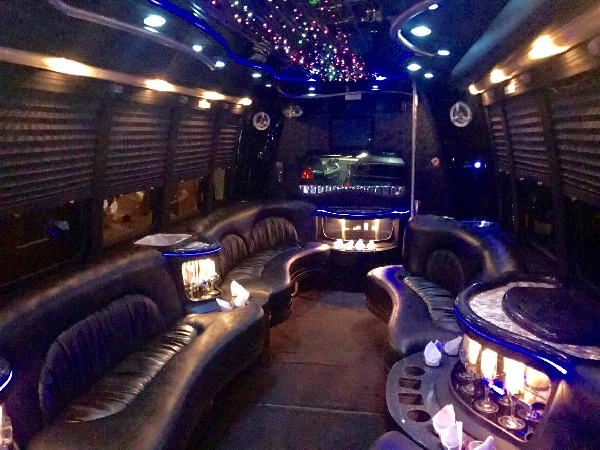 Limo Bus for sale: 2007 Ford E-450 by Krystal