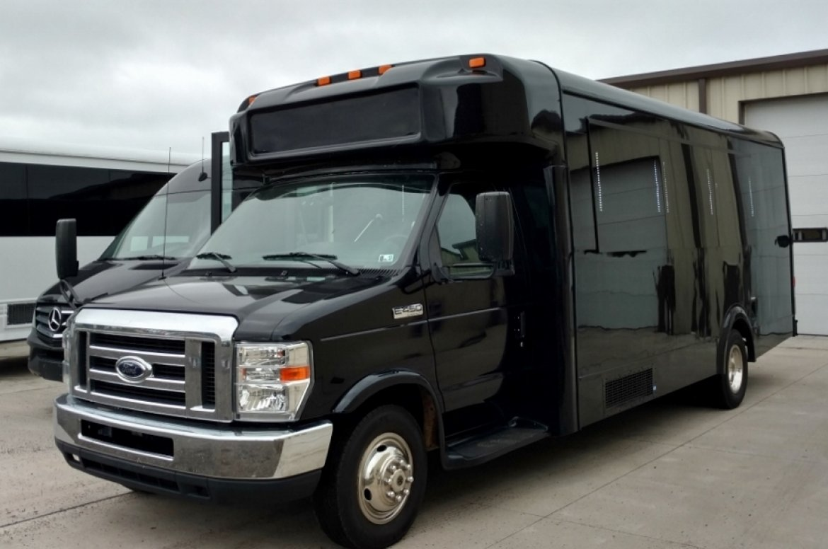 Photo of Limo Bus for sale: 2013 Ford E450 by LGE Coachworks