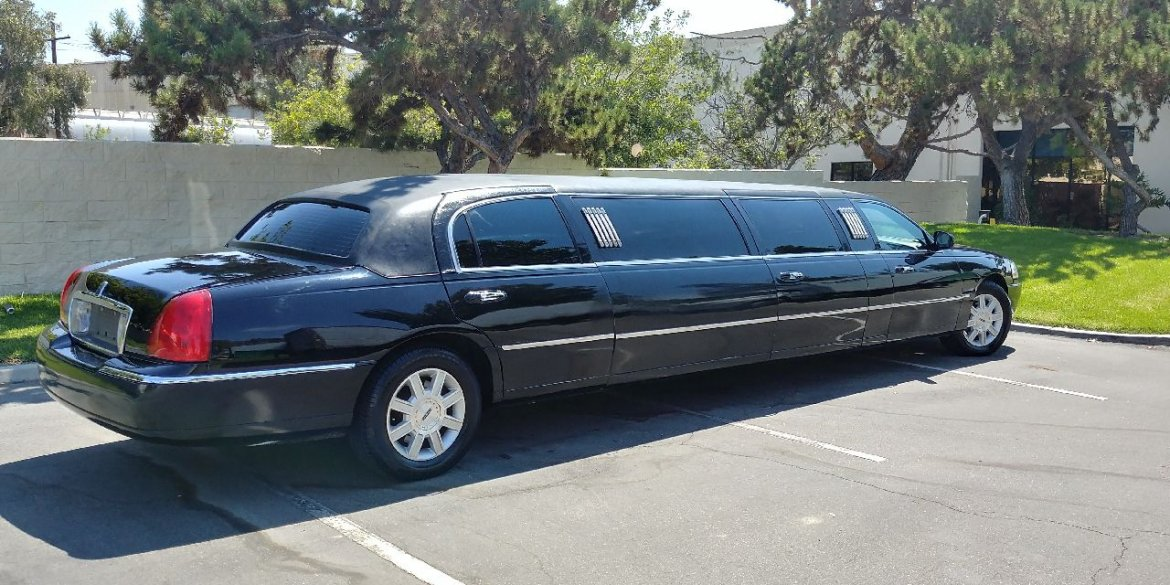 "Photo of Limousine for sale: 2007 Lincoln Town car 120"" by Krystal Koach"