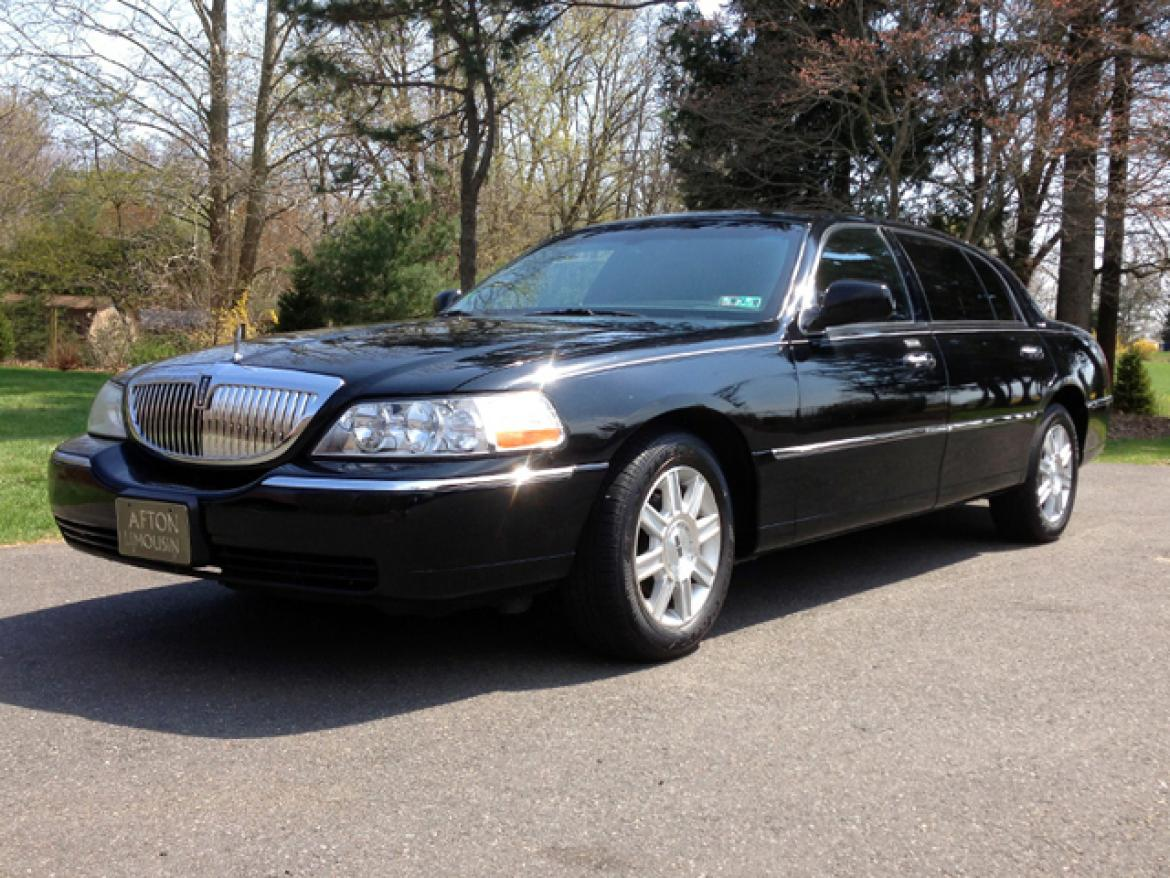 Sedan For 2007 Lincoln Town Car L Series