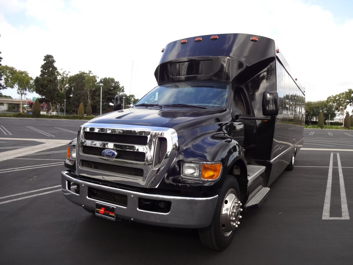 "Limo Bus for sale: 2008 Ford 650 36"" by Tiffany Coachworks"