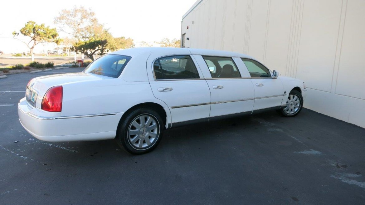 Used 2004 Lincoln Town Car For Sale Ws 10631 We Sell Limos
