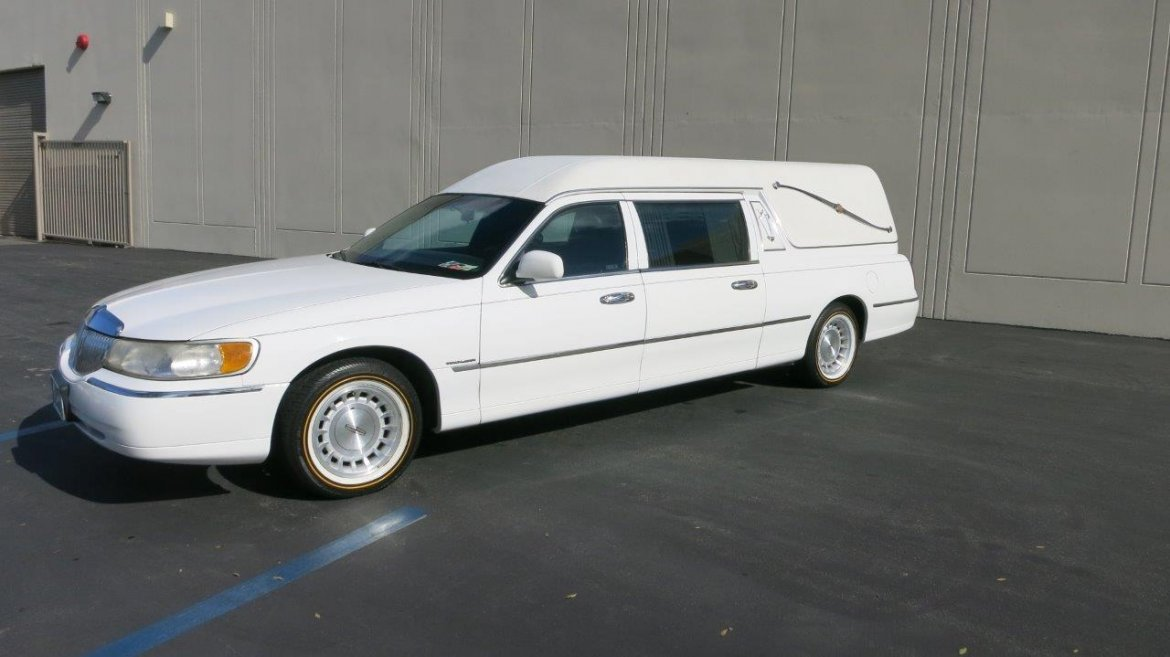 Used 1998 lincoln hearse for sale ws 10651 we sell limos for Used mercedes benz hearse for sale