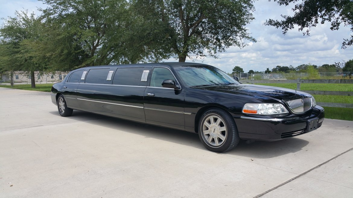 Limousine For 2009 Lincoln Towncar 120