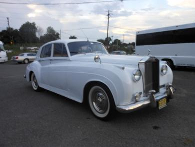 For sale: 1960 Rolls with GM Drive Train, Reliable Car every time Rolls Royce Silver Cloud Antique