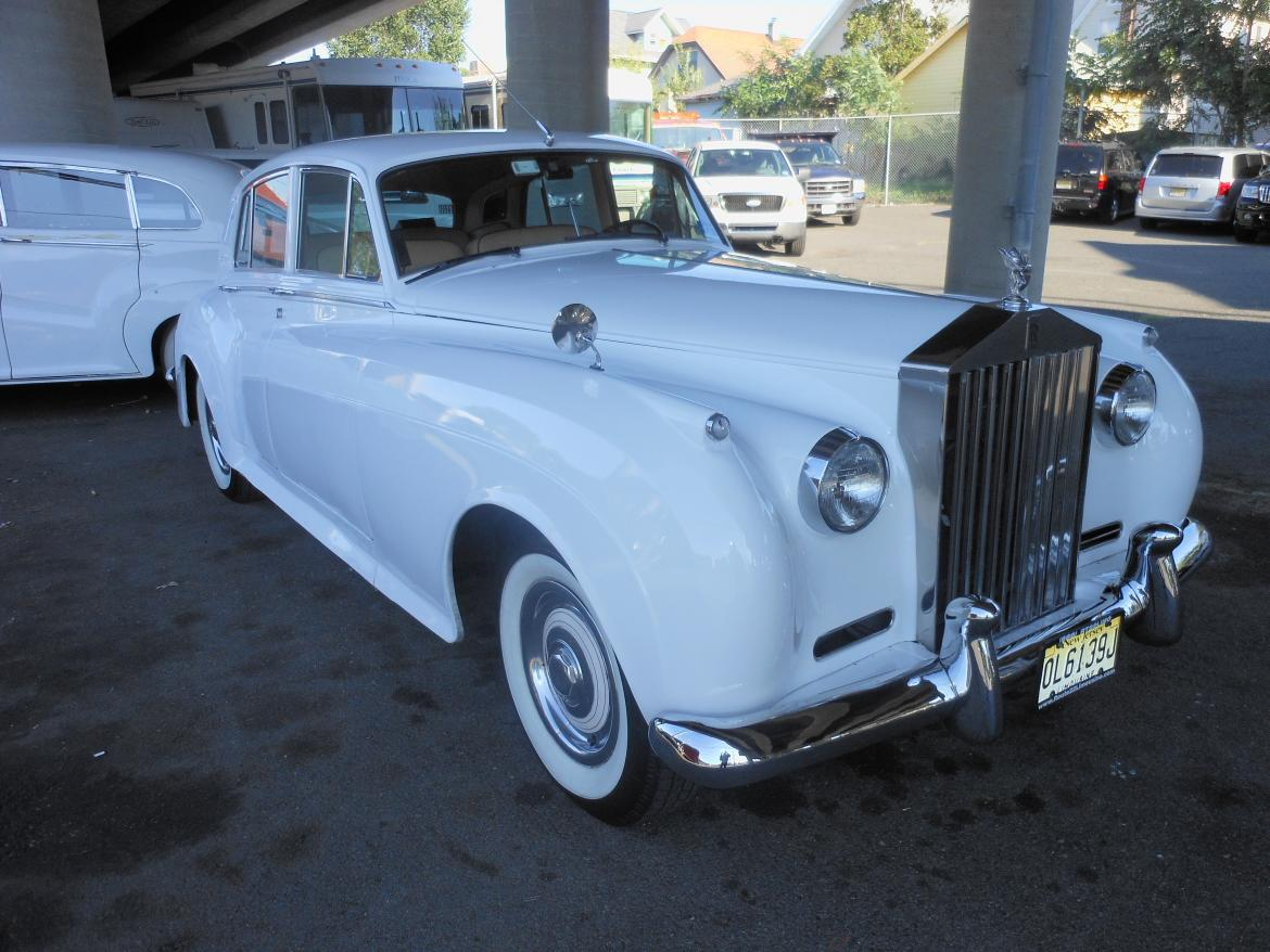 Antique for sale: 1960 Rolls-Royce Silver Cloud by Mint with Complete GM Drive Train, Reliable Car EveryTime