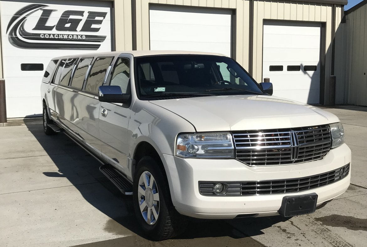 """Photo of SUV Stretch for sale: 2008 Lincoln  Navigator  140"""" by Royale"""