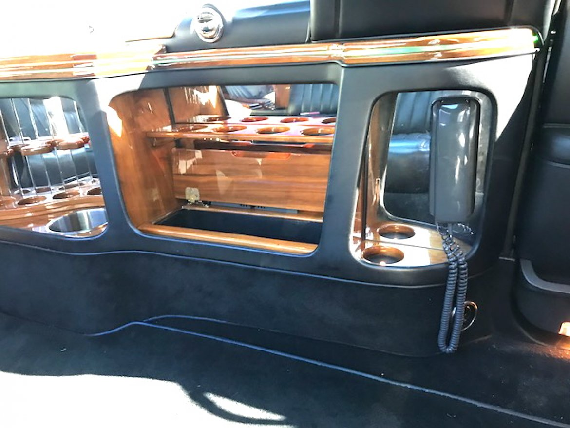 """Photo of Limousine for sale: 2006 Lincoln Town-Car 100"""" by Krystal Koach"""