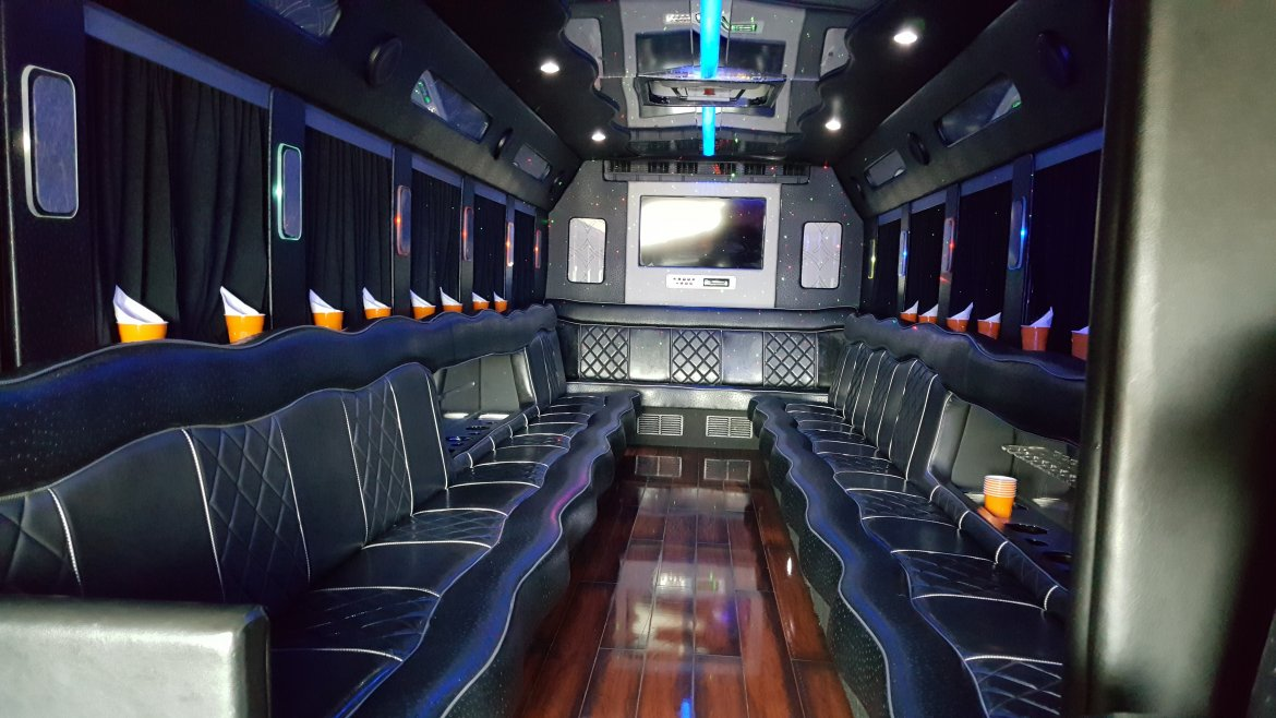 "Photo of Limo Bus for sale: 2013 International Durastar Mini 33"" by Starcraft"