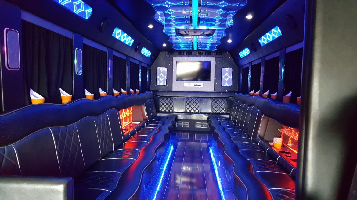 "Limo Bus for sale: 2013 International Durastar Mini 33"" by Starcraft"