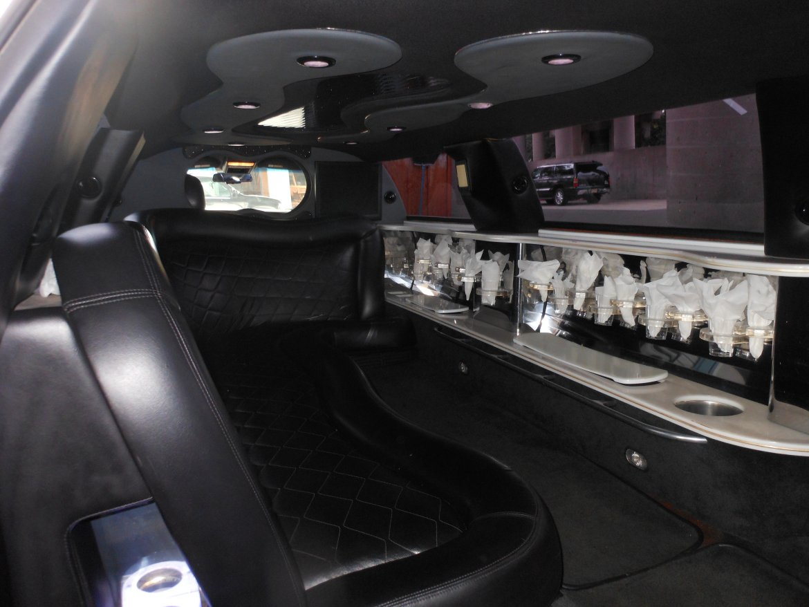 Photo of Sedan for sale: 2004 Lincoln Town Car by Tiffany Coachworks