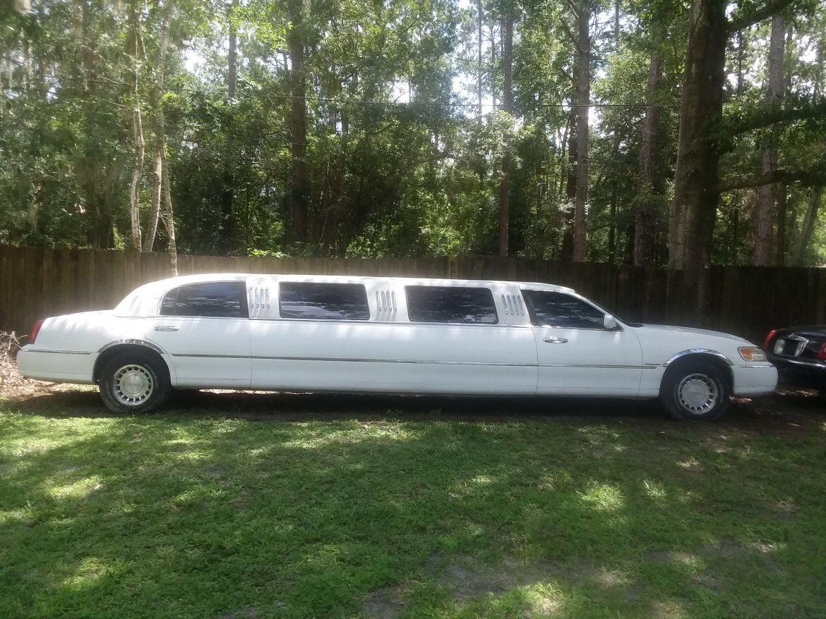 used 2000 lincoln towncar for sale ws 10778 we sell limos. Black Bedroom Furniture Sets. Home Design Ideas