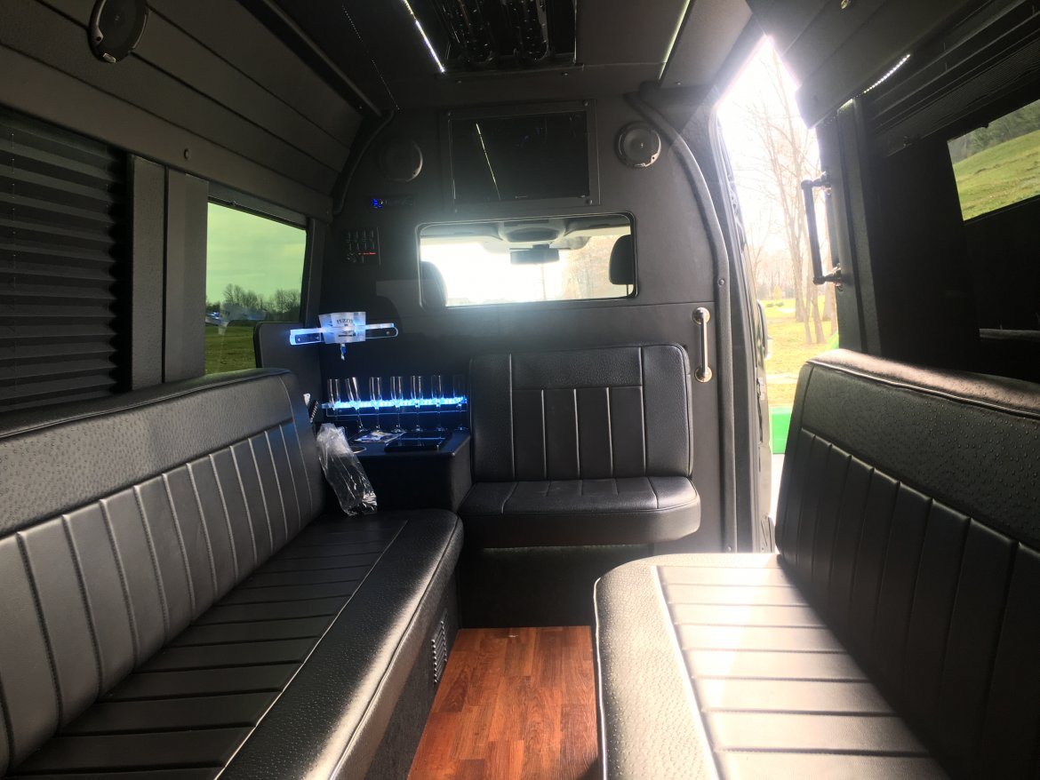 """Photo of Sprinter for sale: 2014 Freightliner 2500 170"""" by Mercedes"""