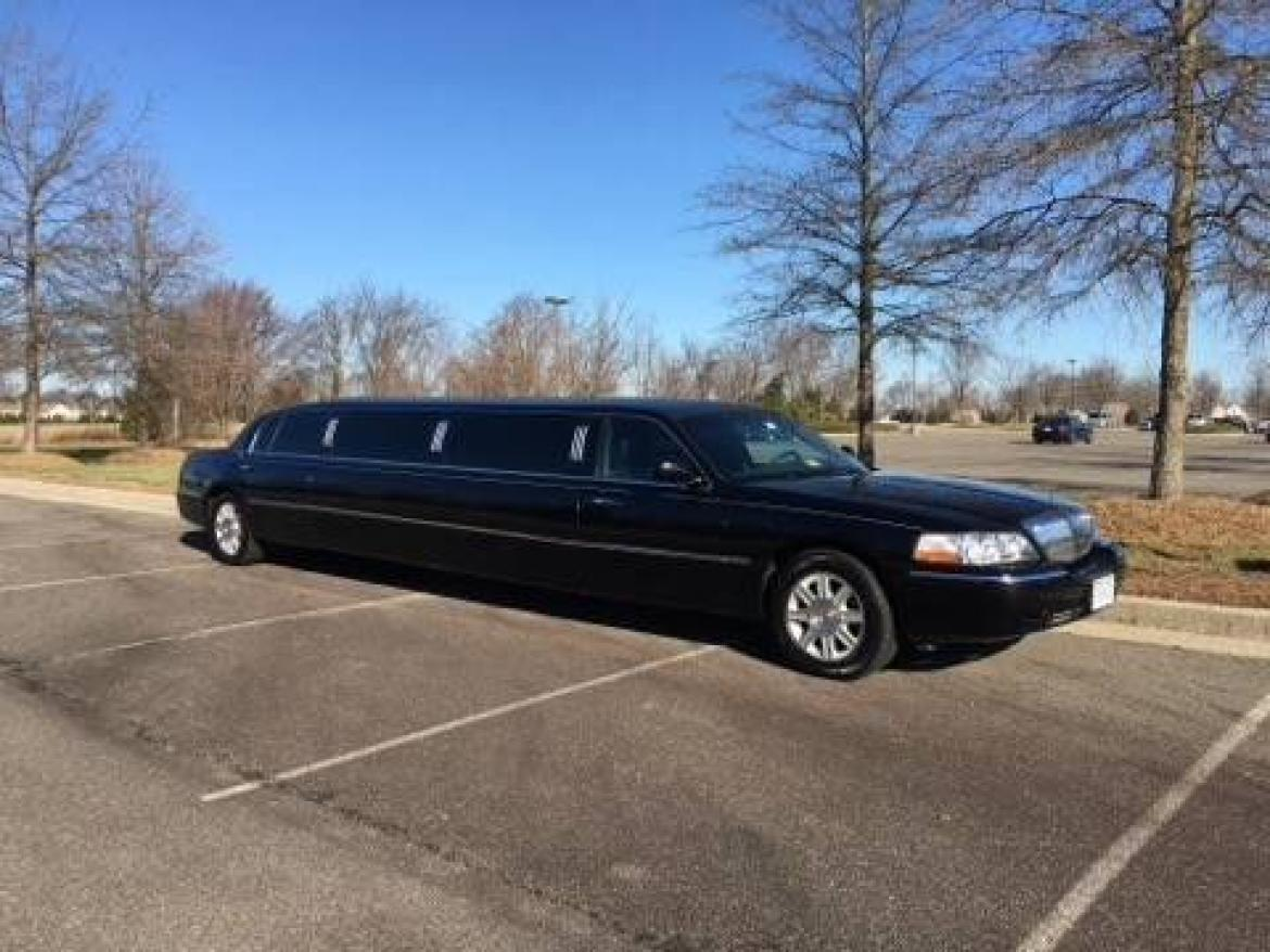 used 2011 lincoln town car for sale ws 10079 we sell limos. Black Bedroom Furniture Sets. Home Design Ideas