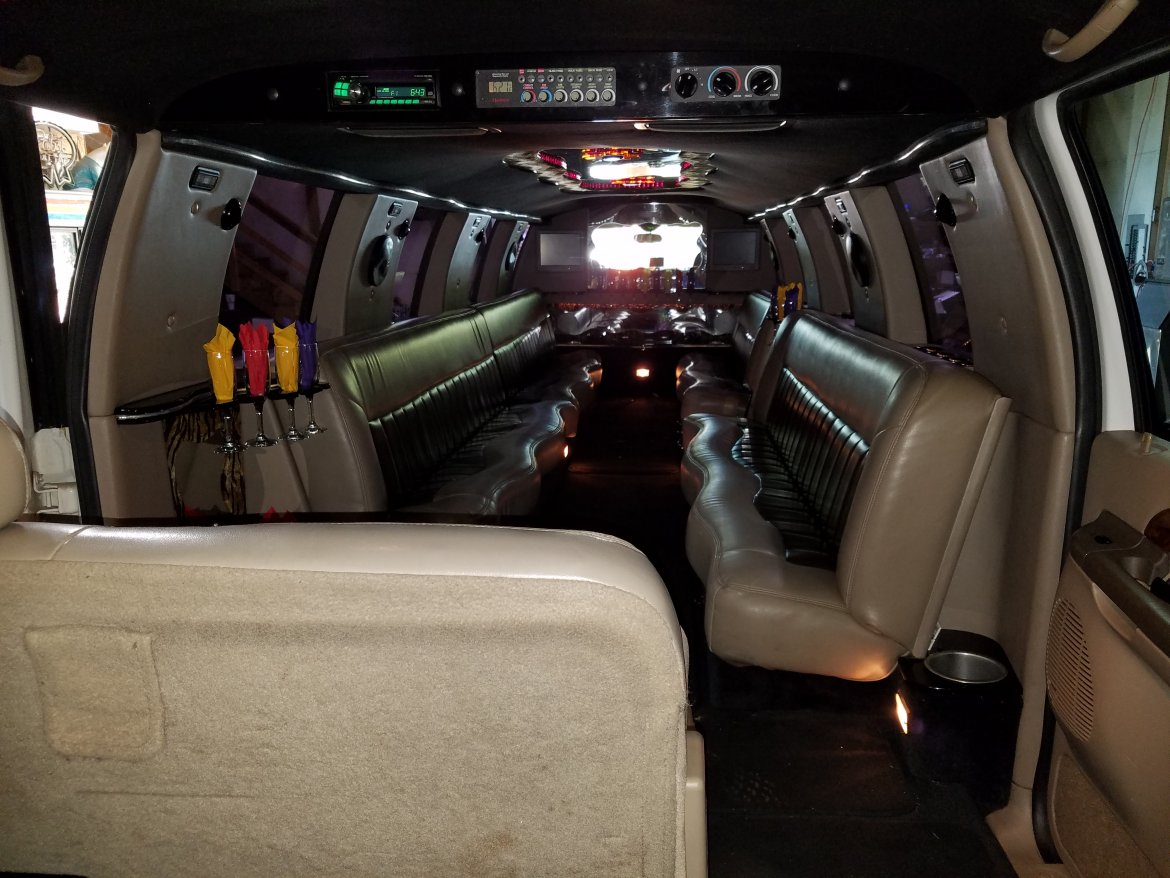 """Photo of Limousine for sale: 2002 Ford Excursion 200"""" by Great Lakes"""