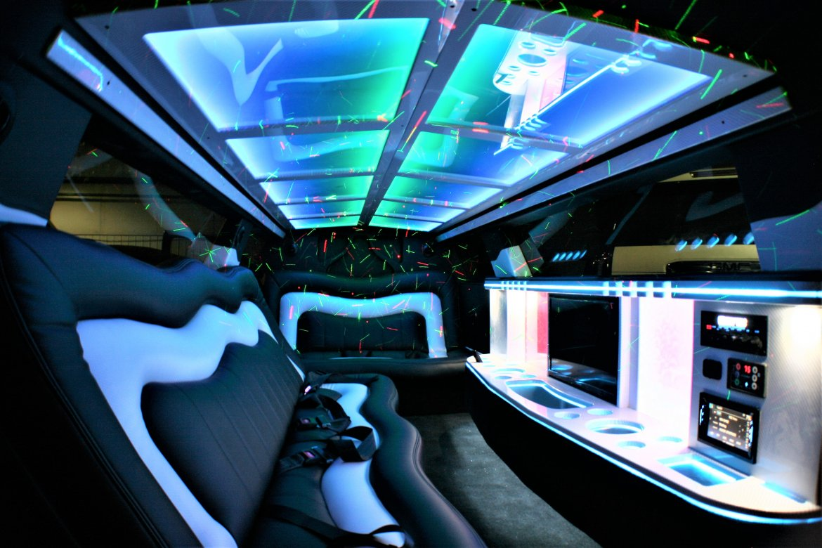 """Photo of Limousine for sale: 2017 Chrysler 300 140"""" by Springfield Coach"""