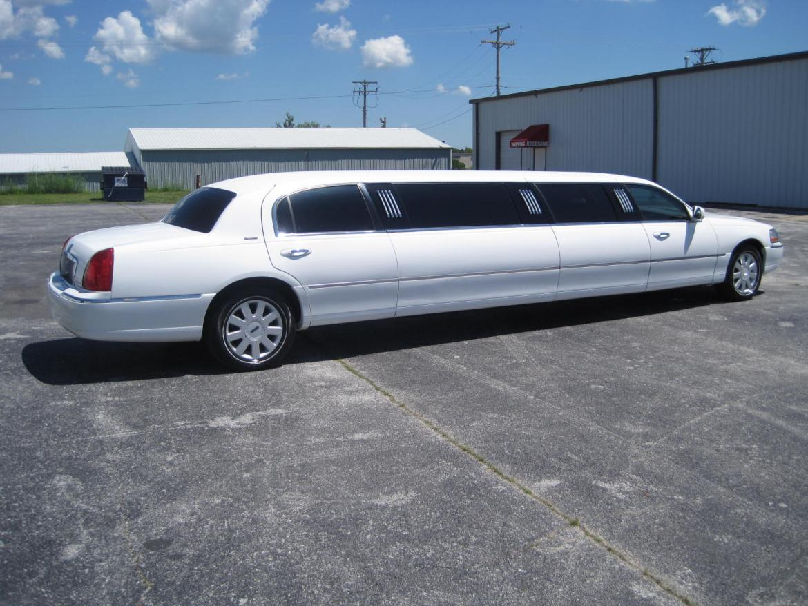Used Cars For Sale Springfield Mo >> Used 2005 Lincoln Town car for sale #WS-10084 | We Sell Limos