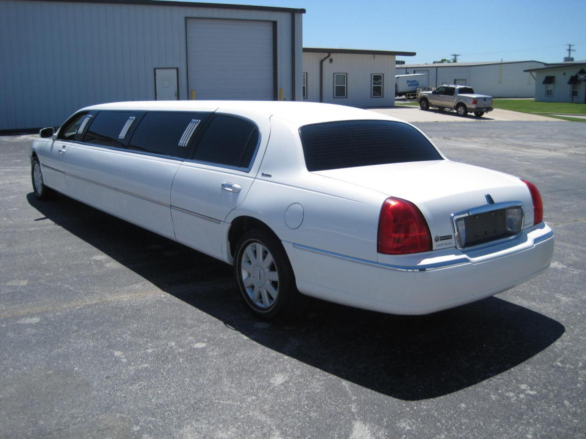 used 2005 lincoln town car for sale ws 10084 we sell limos. Black Bedroom Furniture Sets. Home Design Ideas