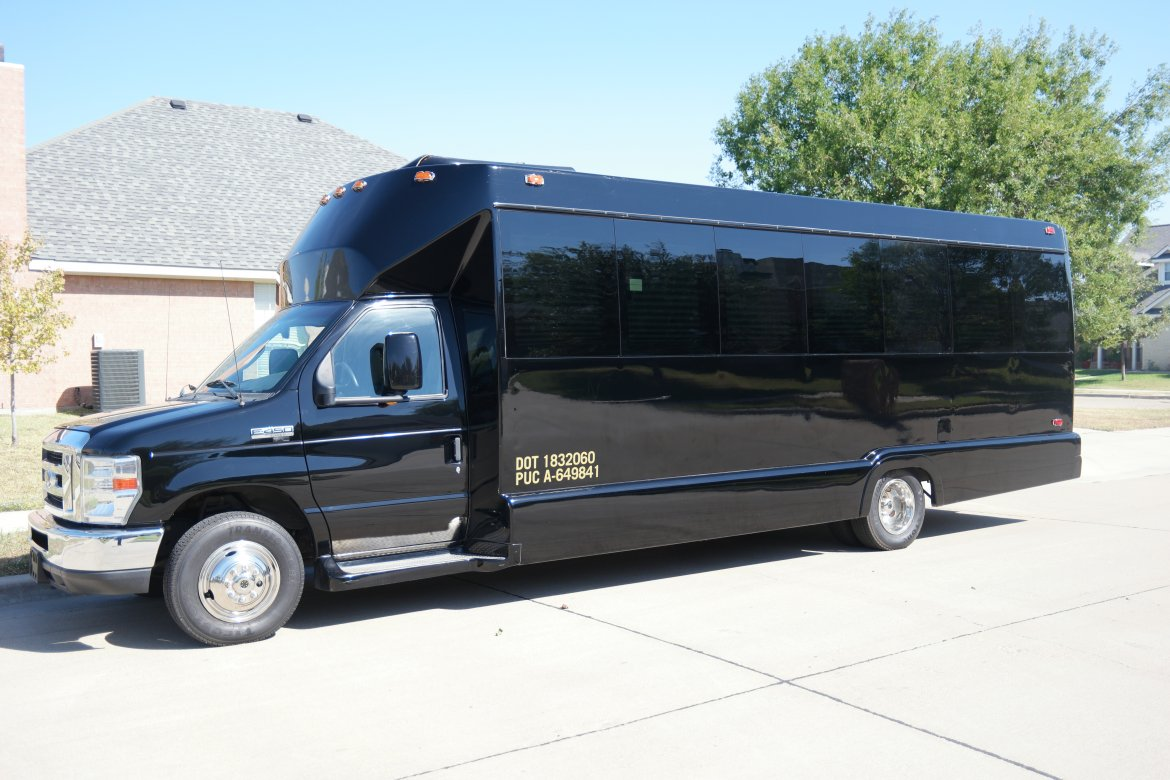 Photo of Limo Bus for sale: 2008 Ford E450 by Tiffany