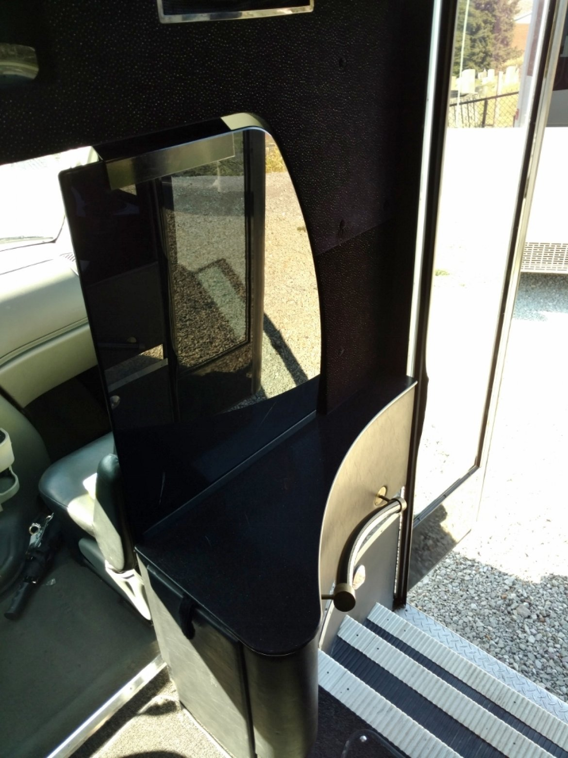 Photo of Limo Bus for sale: 2003 Ford E550  by Federal