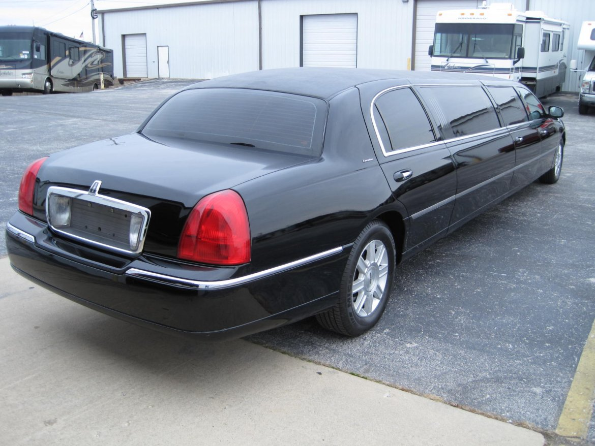 used 2009 lincoln town car for sale ws 10913 we sell limos. Black Bedroom Furniture Sets. Home Design Ideas