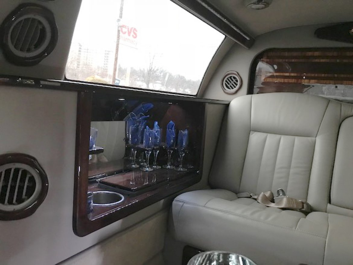 "Photo of Limousine for sale: 2008 Lincoln Town-Car 76"" by LCW"