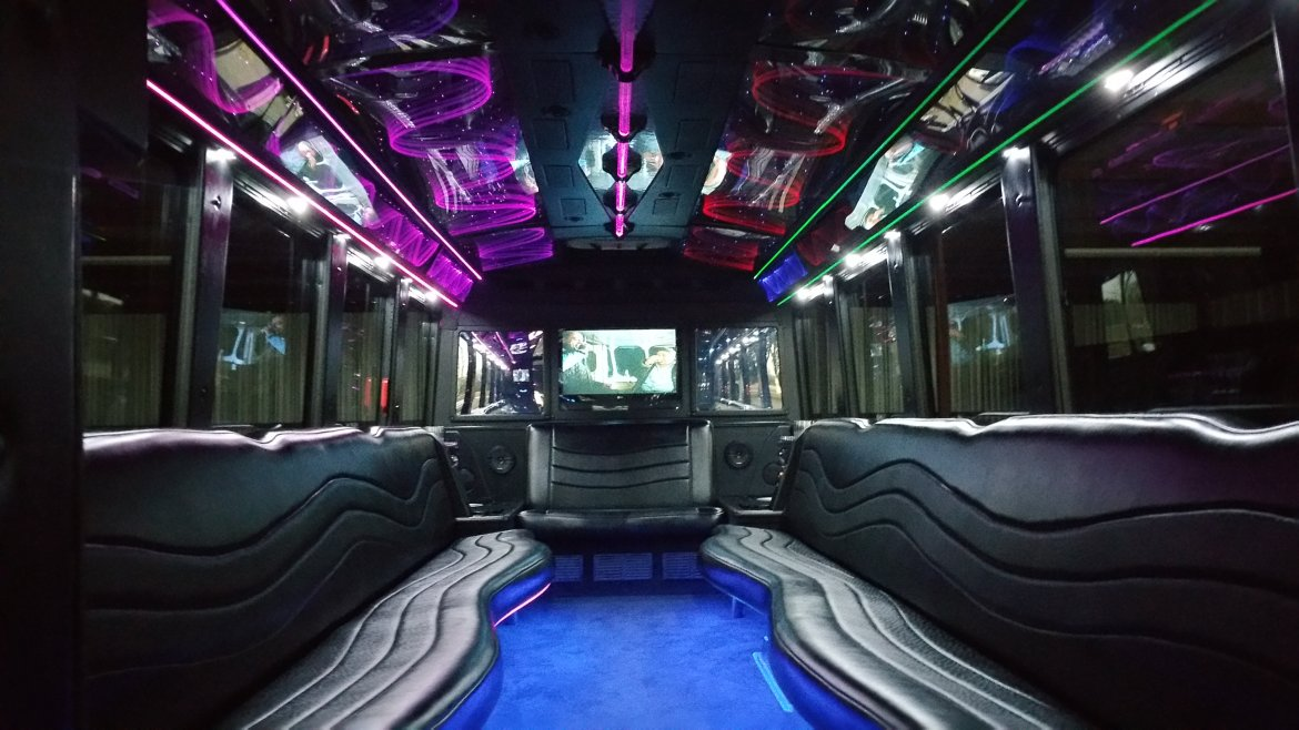 Photo of Limo Bus for sale: 2008 Chevrolet C 5500  by Westwind