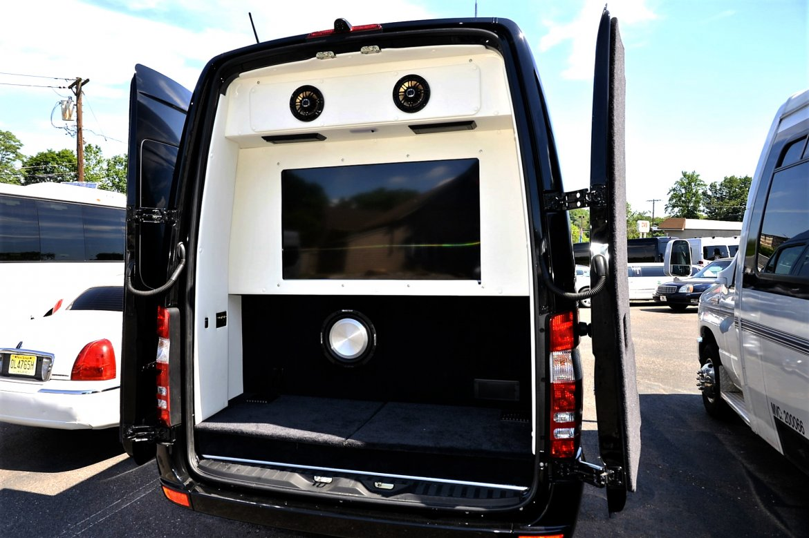 "Photo of Sprinter for sale: 2017 Mercedes-Benz Sprinter 3500 Super Single 25"" by Midwest"
