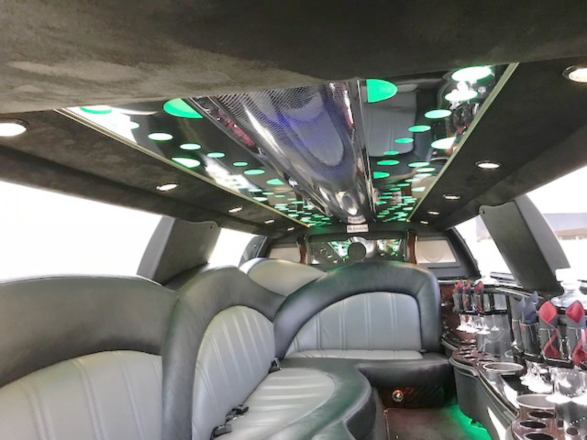 """Photo of Limousine for sale: 2013 Chrysler 140"""" 140"""" by Executive Coach"""